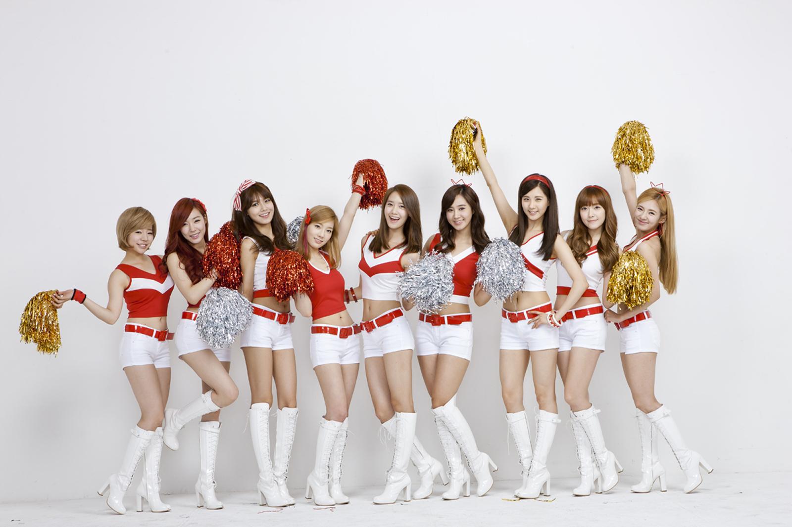 Girls' Generation 01 (edit: psychofriend.wordpress.com)