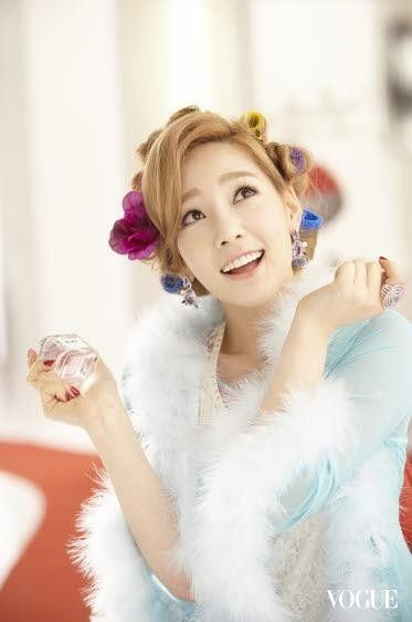[120608] Girls' Generation (SNSD) New Picture for Twinkle & GIRL de provence CF via Vogue Taiwan Gallery [12]