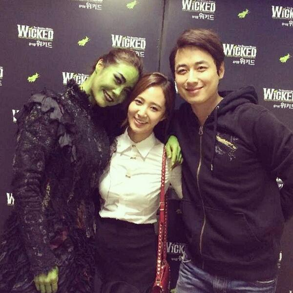 [140403] Yuri (SNSD) New Selca with Lee Jeehoon and Ock Joohyun [2]