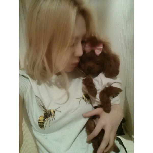 [140414] Hyoyeon (SNSD) New Selca with Vivian