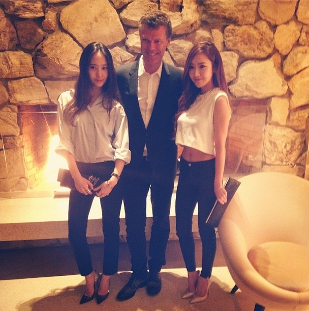 [140416] Jessica (SNSD) and Krystal (F(x)) New Selca with Pierre Denis