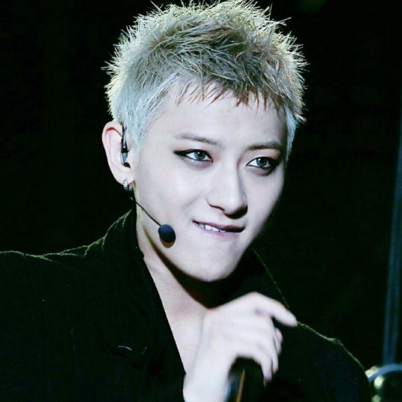 [140422] Tao (EXO) New Weibo Profile Picture