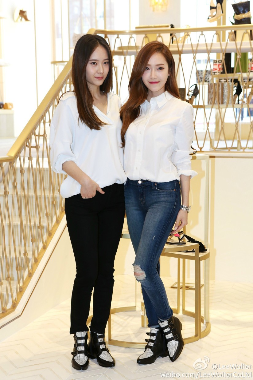 [140425] Jessica (SNSD) and Krystal (F(x)) New Picture via LeeWolter [1]
