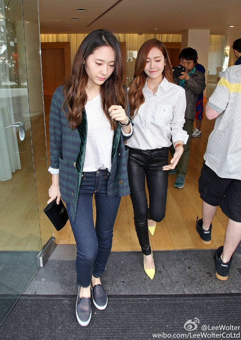 [140425] Jessica (SNSD) and Krystal (F(x)) New Picture via LeeWolter [3]