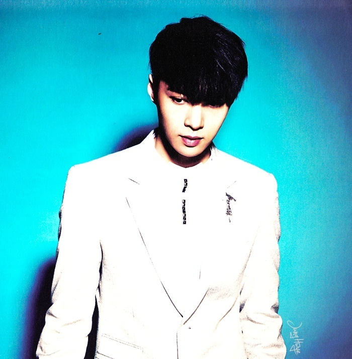 [140507] Lay (EXO) for Overdose Album (Scan) by jung hwye [4]