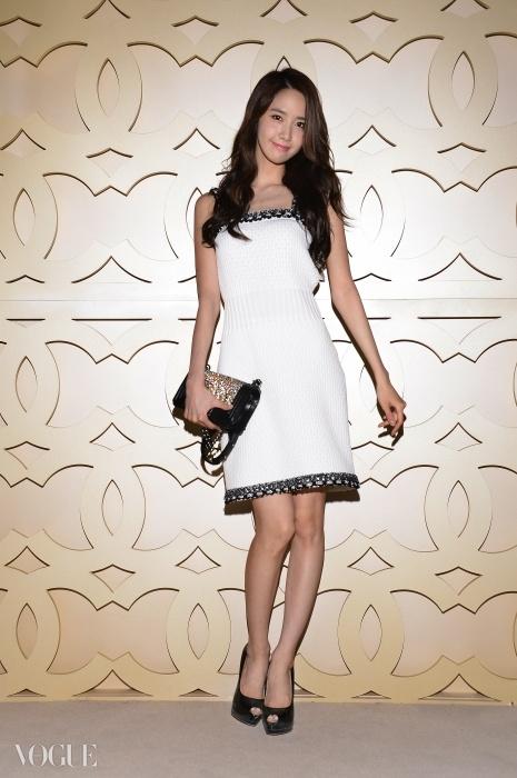 [140515] Yoona (SNSD) @ Chanel Cruise 2015 fashion show in Dubai via Vogue