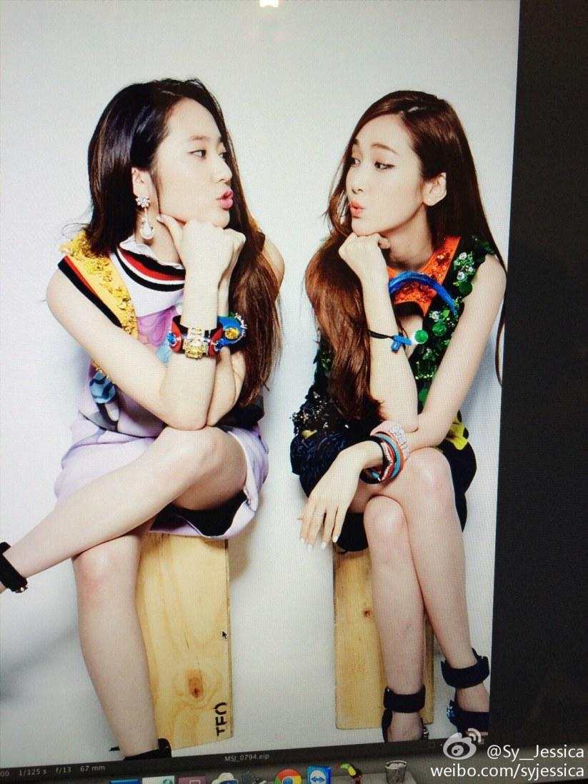 [140519] Jessica (SNSD) New Selca with Krystal [1]