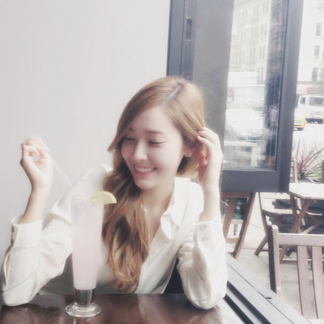 [140521] Jessica (SNSD) Update New Weibo Profile Picture