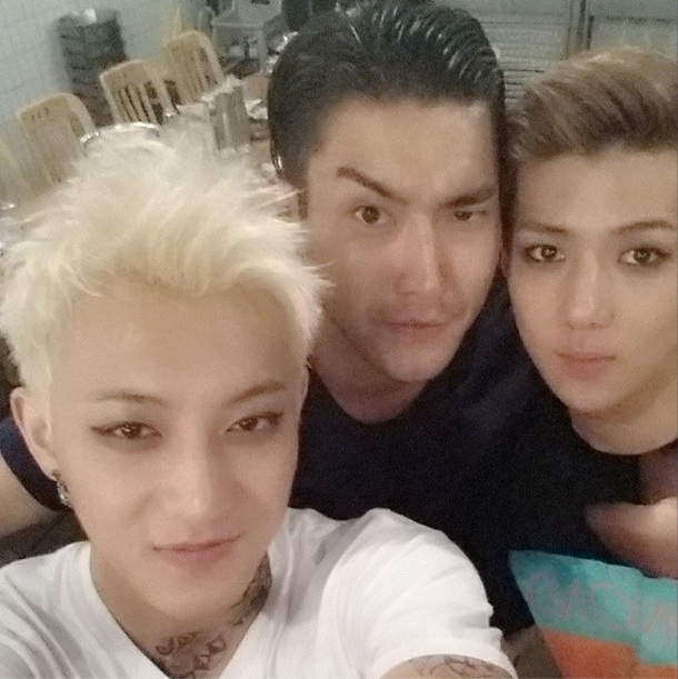 [140525] Tao (EXO) New Selca with Sehun and Siwon