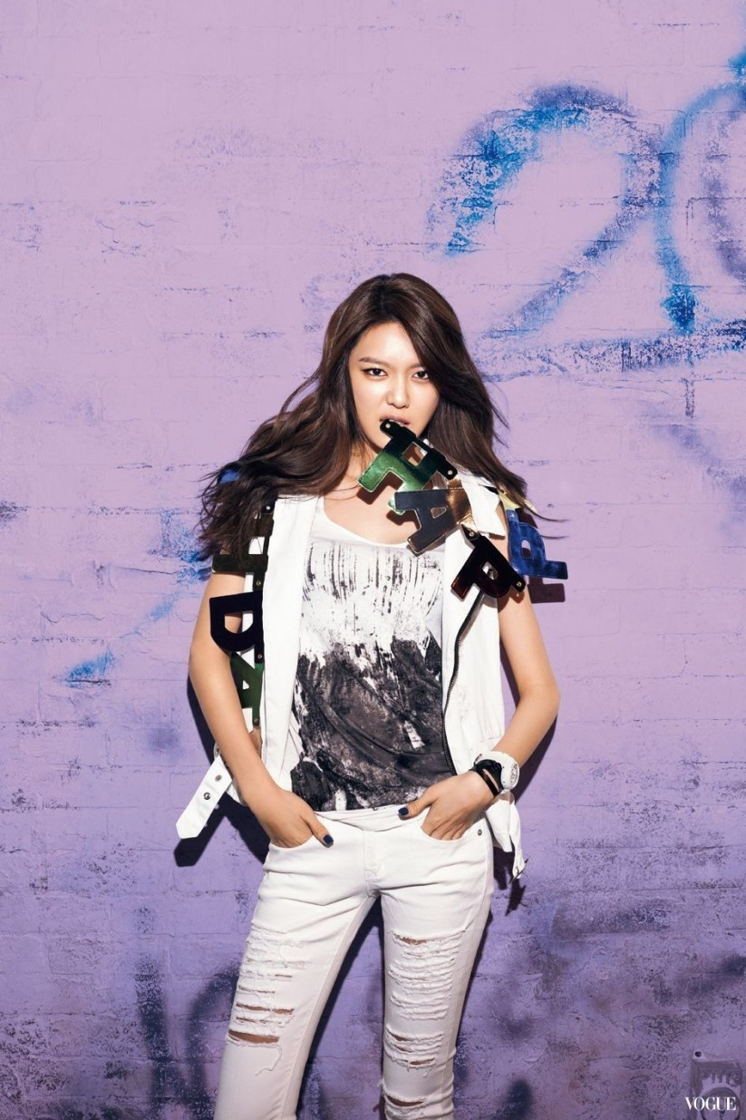 [140605] Sooyoung (SNSD) New Picture for Casio Baby-G 20th Aniversary CF via Vogue Taiwan