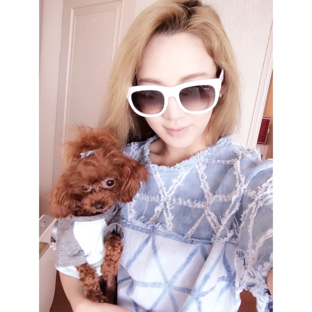 [140618] Hyoyeon (SNSD) New Selca with Vivian [2]