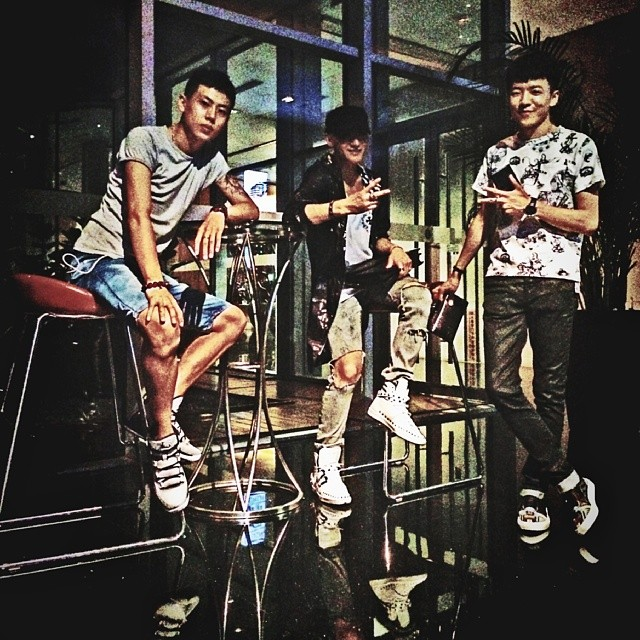 [140701] Tao (EXO) New Selca with his friends via chaos102413's Instagram
