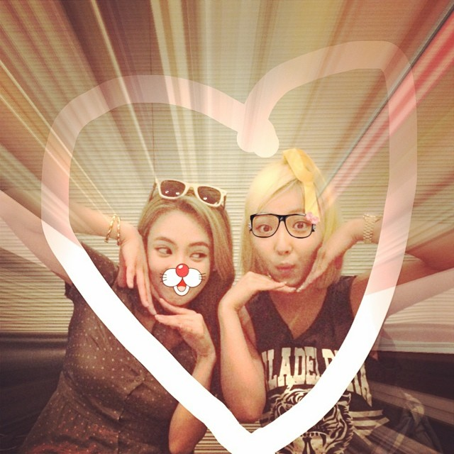 [140704] Hyoyeon (SNSD) New Selca with Min via therealminnn's instagram