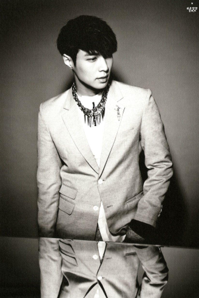 [140712] Lay (EXO) New Overdose Postcard (Scan) by OliV_xoxo [1]