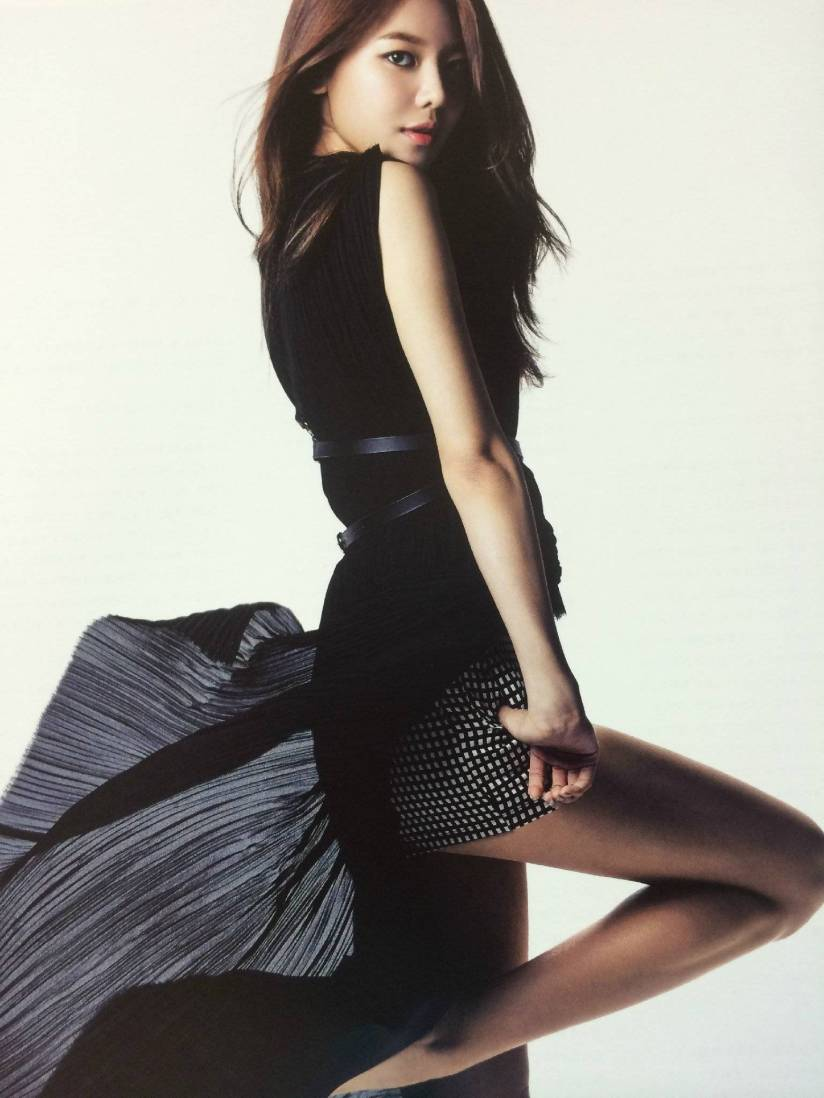 [140722] Sooyoung (SNSD) New Picture for The BEST (Scan) by Gray_YuRism [2]