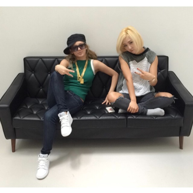 [140725] Hyoyeon (SNSD) New Selca with Min (Miss A)