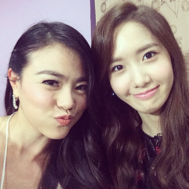 [140726] Yoona (SNSD) New Selca with Praew Hassaya via praewh's instagram [1]