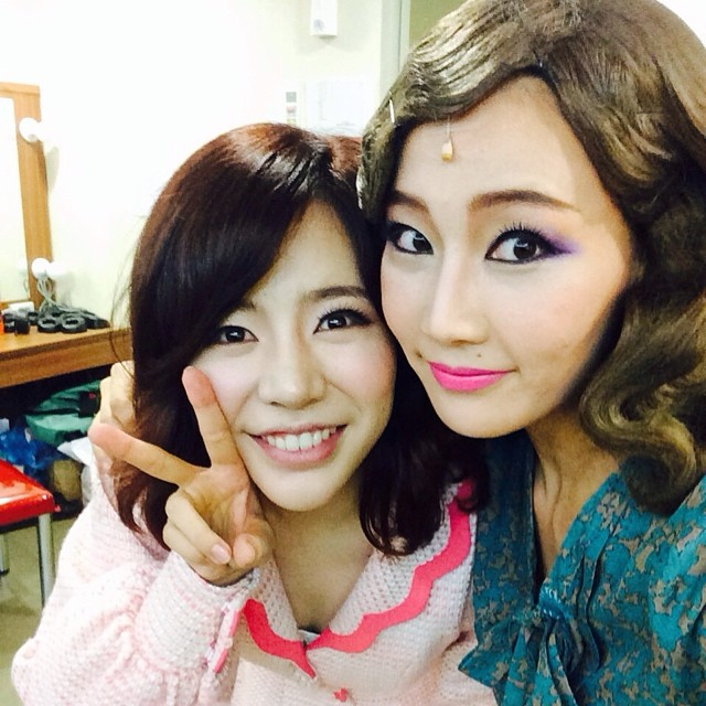 [140731] Sunny (SNSD) New Selca with Son Seonah via suna421's instagram